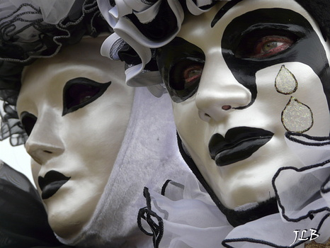 Masques 2009-185