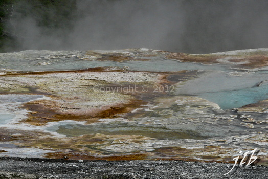 Mammoth hot springs-52