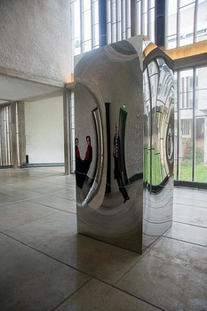 Anish Kapoor - Non-Object(Door)-2