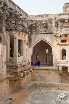QUEEN'S BATH - HAMPI-11