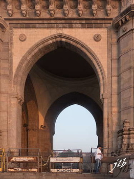 GATEWAY OF INDIA - MUMBAI-16