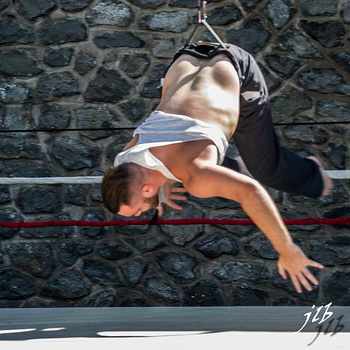 WIRED AERIAL THEATRE-16